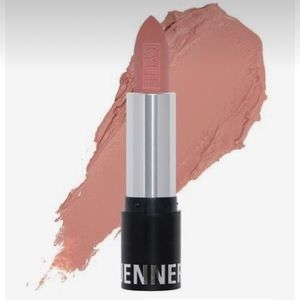 Kylie Jenner- Lipstick 💄 August
